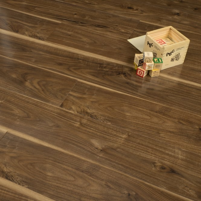 Glossy Varnished - 8mm High Gloss Laminate Flooring - Walnut Wood - 2.02m2