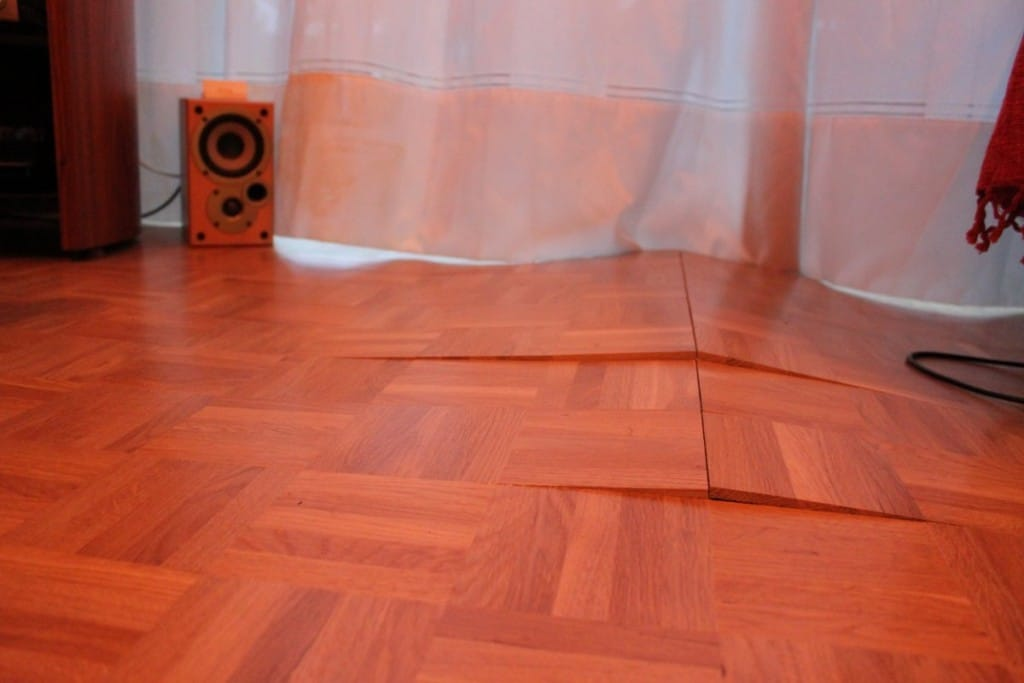 Laminate Floor Lifting