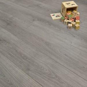 why laminate flooring style grey oak & Why Laminate Flooring? - Here\u0027s 5 ReasonsDiscount Flooring Depot Blog