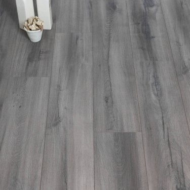 Aqua Valley - 12 mm laminate flooring - Skimming Grey