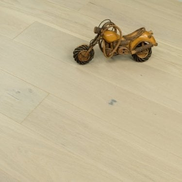 Aspire Click Engineered Oak Flooring 14/2.5mm x 180mm Cappucino Brushed Matt Lacquered 2.26m2