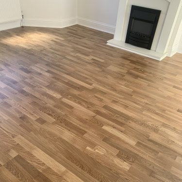 Autograph Click - 10mm x 207mm Engineered Wood Flooring - 3 Strip Oak