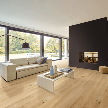 Balterio Grande Wide 082 Linnen Oak 9mm Laminate Flooring V-Groove AC4 2.9520m2