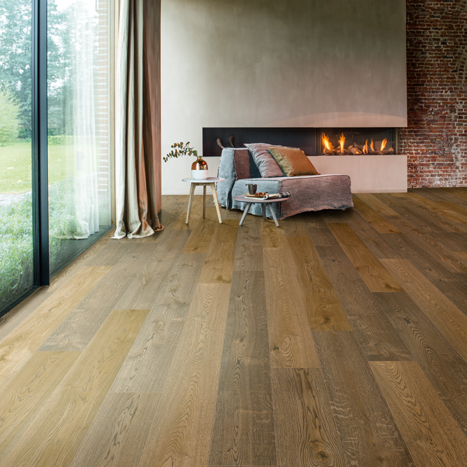 Balterio Grande Wide 094 Bourbon Oak 9mm Laminate Flooring V-Groove AC4 2.9520m2