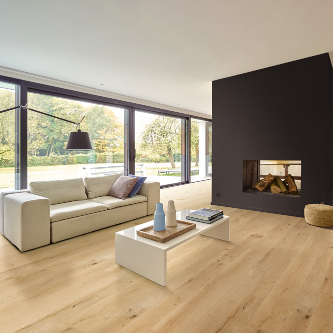 Grande Wide - 9mm Laminate Flooring - Linen Light Wood