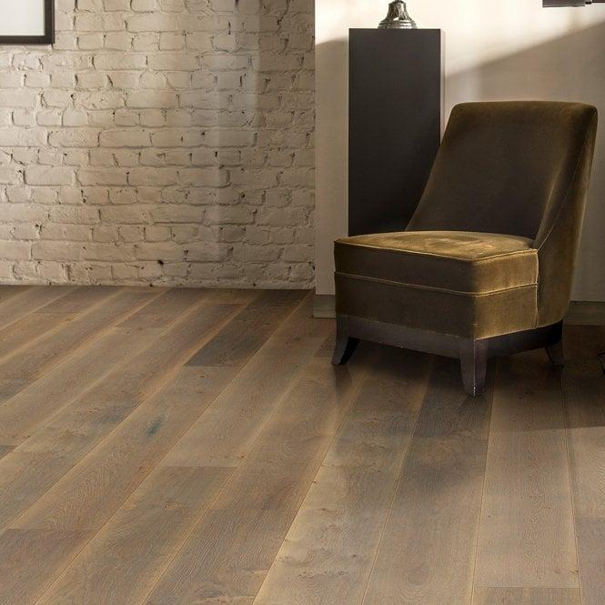 Grande Wide - 9mm Laminate Flooring - Sienna Oak