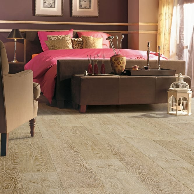 Balterio impressio vanilla oak 690 8mm laminate flooring v for Balterio vanilla oak laminate flooring