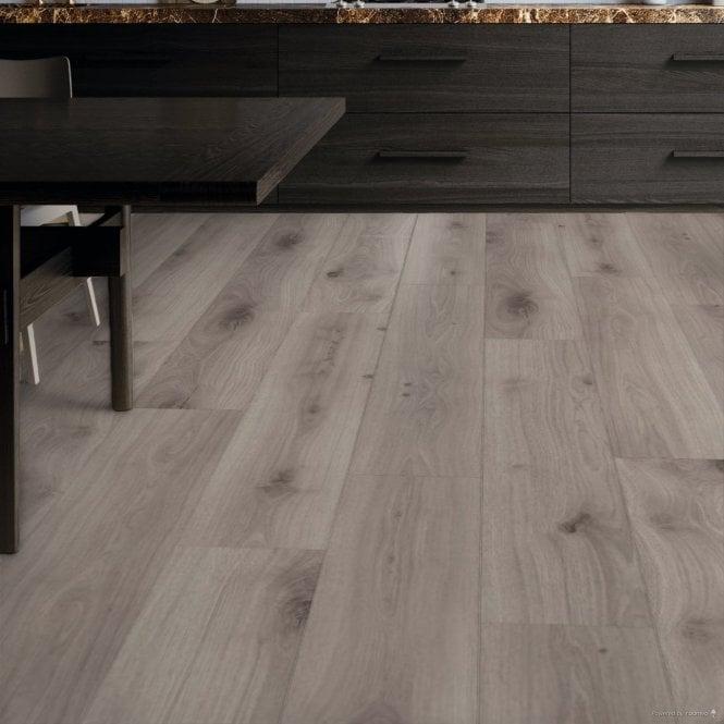 Livanti - 8mm Laminate Flooring - Flora Oak