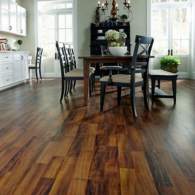 NEW Traditions - 9mm Laminate Flooring - Hobart Oak