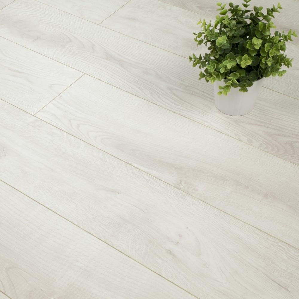 Quattro Vintage 8mm Laminate Flooring Lipica Off White Oak 2 155m2