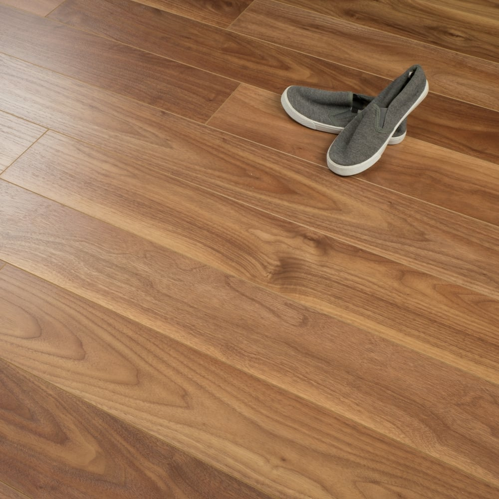 Stretto 8mm Laminate Flooring Valencia Almond Wood 2 03m2