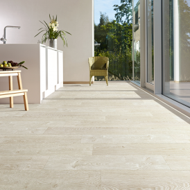 Balterio Tradition Elegant Frozen Oak 705 9mm Laminate Flooring V-Groove AC4 1.9218m2