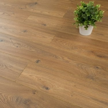Balterio Tradition Quattro Bisquit Oak 180 9mm Laminate Flooring V-Groove AC4 1.9218m2