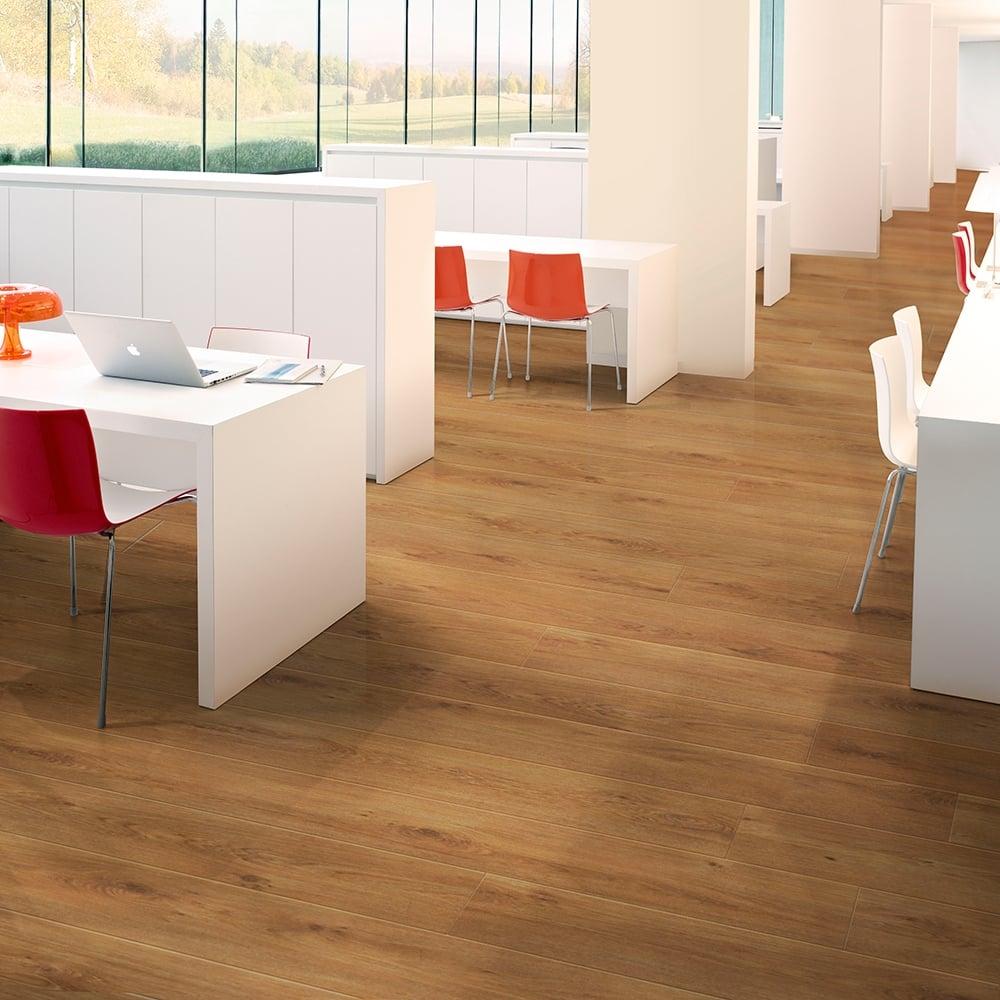 Balterio Tradition Quattro Liberty Oak 437 9mm Laminate Flooring V Groove Ac4 1 9218m2