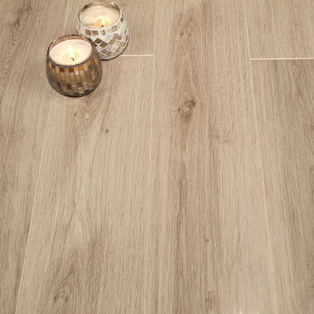 Balterio tradition sculpture bleached oak 491 9mm v groove for Balterio white laminate flooring