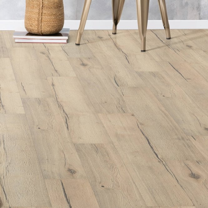 Brecon - 12mm Laminate Flooring - Rustic Oak