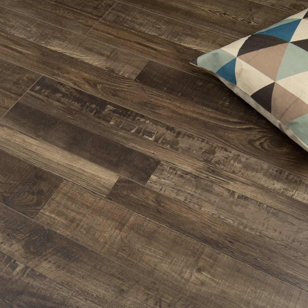 Canadian 8mm Laminate Flooring Quebec Oak 1 91m2