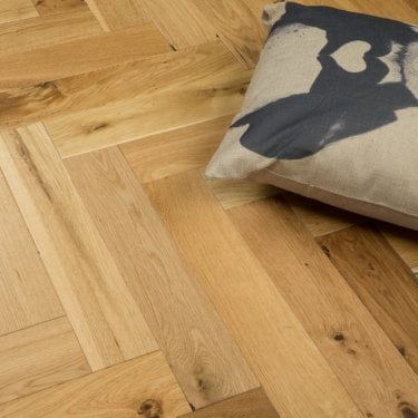 Chelsea Engineered Herringbone Parquet Flooring Carmel Oak 14/3 x 90mm Matt Lacquered 1.215m2