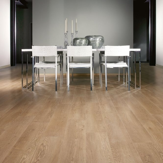 **Clearance** Balterio Magnitude Country Oak 582 8mm Laminate Flooring V-Groove AC4 2.162m2