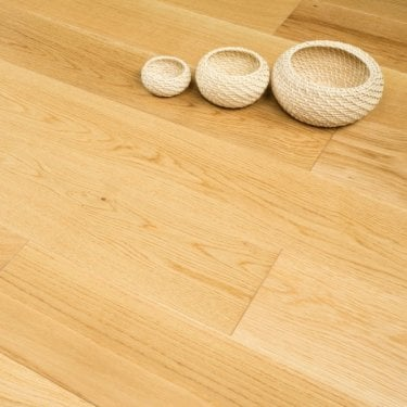 **Clearance** Hailswood Solid Oak 20mm x 190mm Lacquered AB Grade 2.09m2