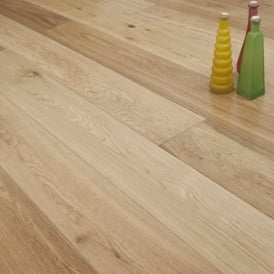 **Clearance** Platinum Series XL Engineered Flooring Clic 14/3mm x 189mm Oak Lacquered 2.81m2
