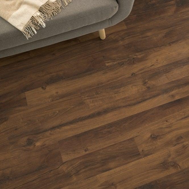 Delgado - 10mm Laminate Flooring - Pecan Oak