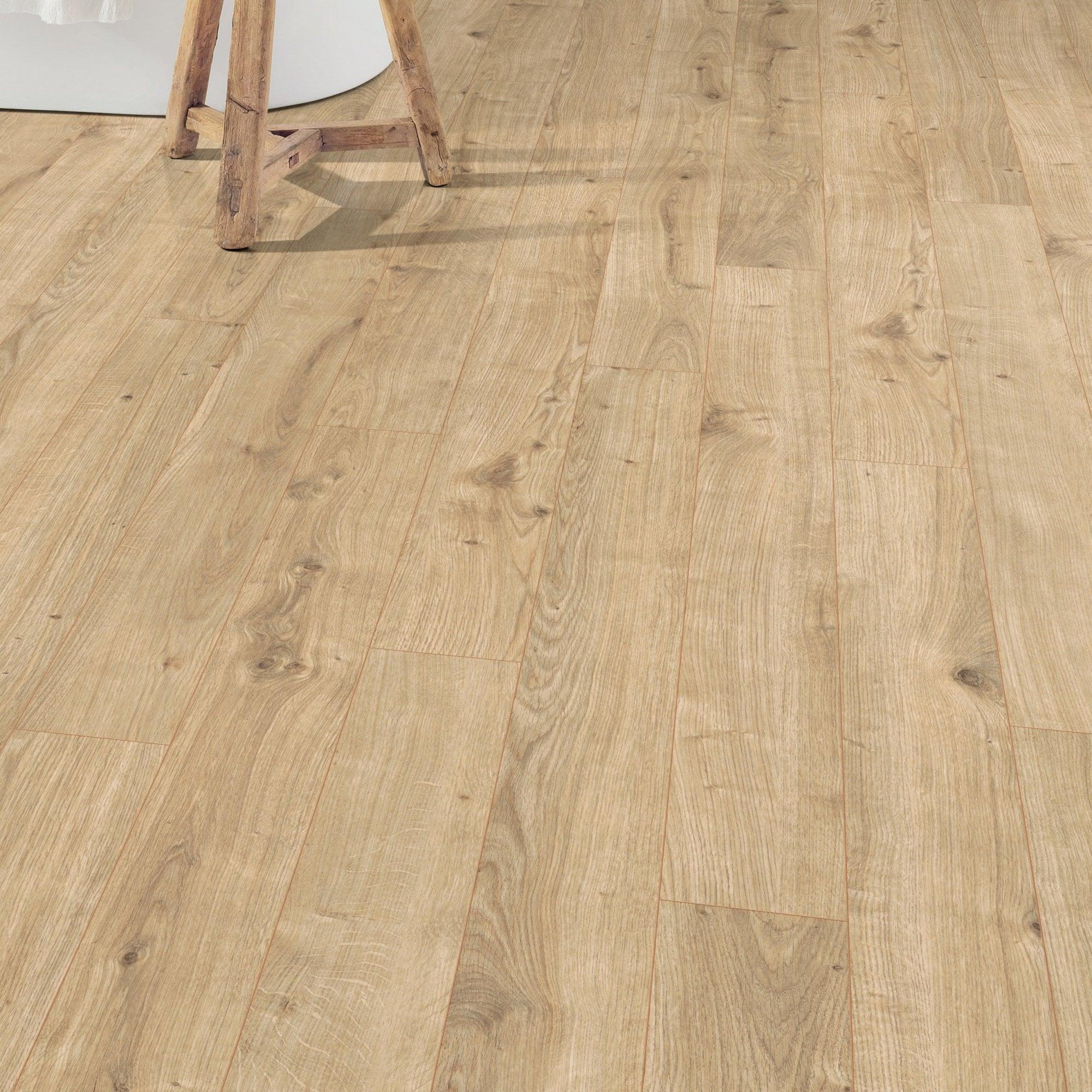 Stone Washed Light Oak Laminate Get, Real Wood Effect Laminate Flooring