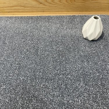 Deluxe Saxony 82 - Blue / Grey Carpet - Medium Pile Height / Medium Density