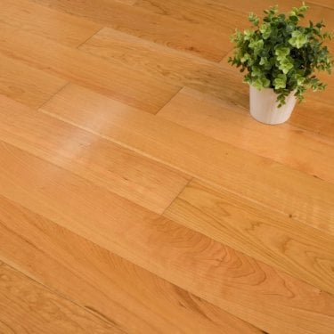 Edmonton Engineered Oak Flooring 14/3mm x 125mm Cherry Lacquered 1.575m2