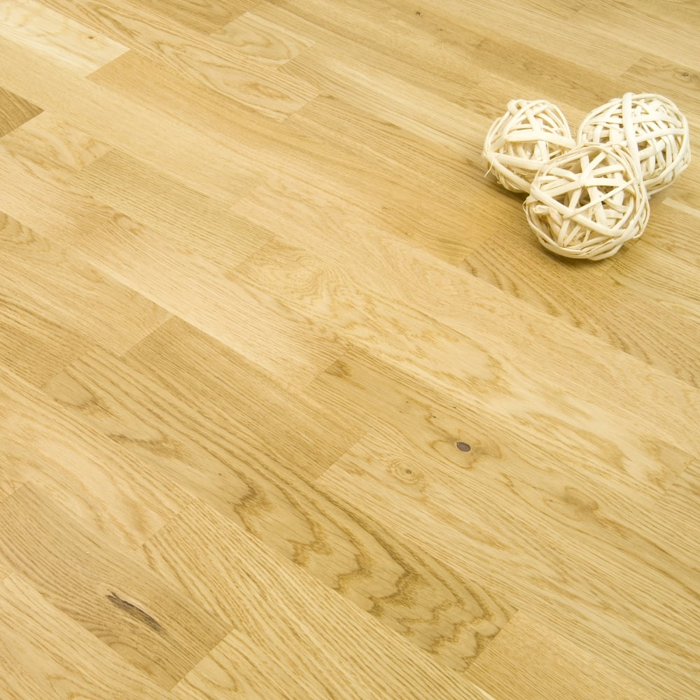 Essential Camden Engineered Oak 3 Strip Flooring 10 2mm X 207mm Lacquered 203m2