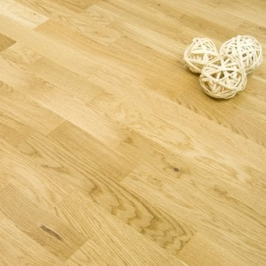 Essential Camden Engineered Oak 3 Strip Flooring 10/2mm x 207mm Lacquered 2.03m2