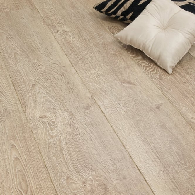 Expression Light Oak 8mm Laminate Flooring V-Groove AC4 2.46m2