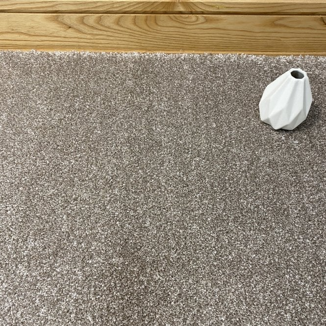 Exquisite 67 - Mid Beige Carpet - Long Pile Height / Heavy Density