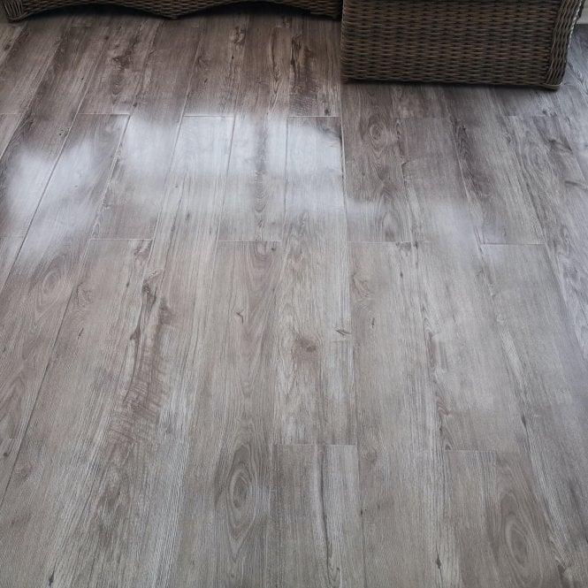 Glossy Varnished - 8mm High Gloss Laminate Flooring - Grey Wood