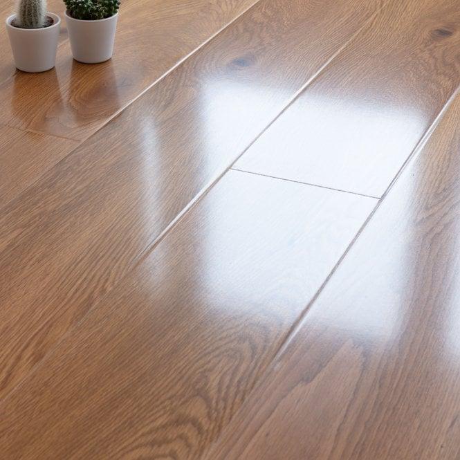 Glossy Varnished - 8mm High Gloss Laminate Flooring - Oak Wood