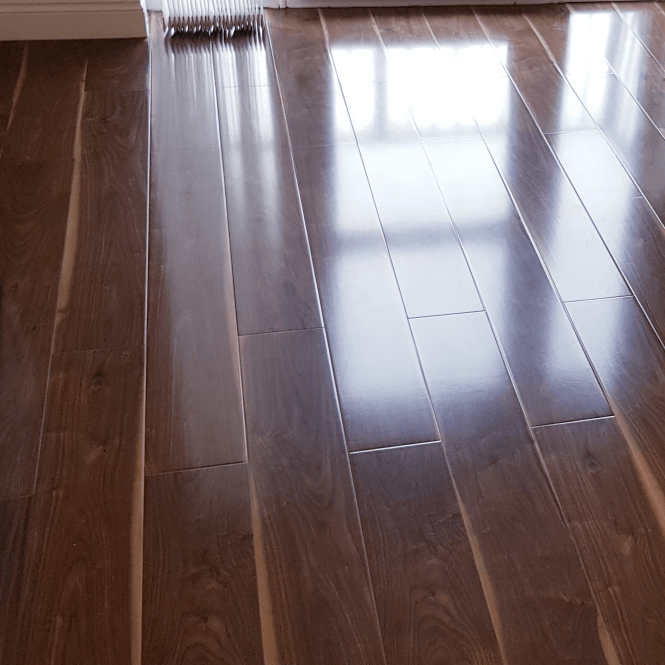 Glossy Varnished - 8mm High Gloss Laminate Flooring - Walnut Wood