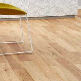 Gold Series Solid Oak Flooring 18mm x 150mm Brushed and Lacquered 1.98m2