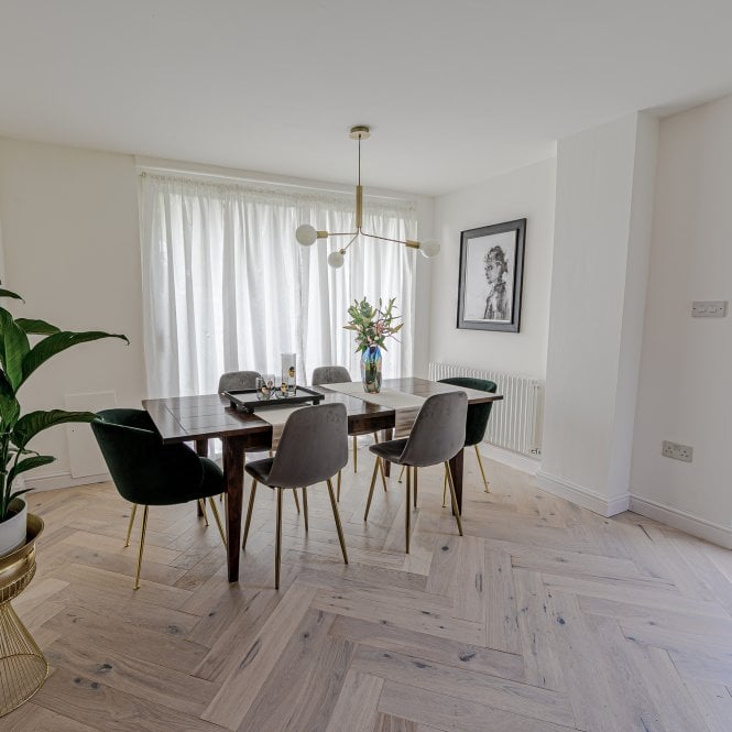 Hampton Herringbone - 14mm Parquet Engineered Flooring - Oak Cream Matt Lacquered