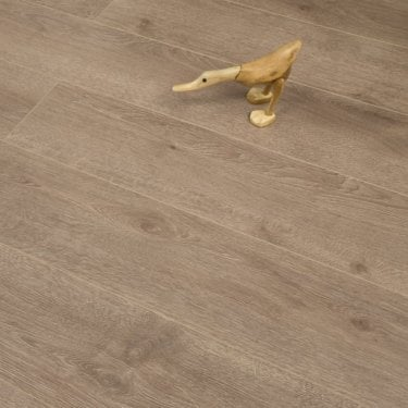 Hydro Guard 8mm Dark Cocoa Oak Laminate V-Groove AC4 1.99m2