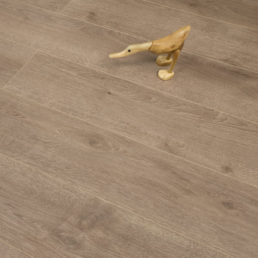 Hydro guard 8mm waterproof laminate flooring brown oak 1 99m2