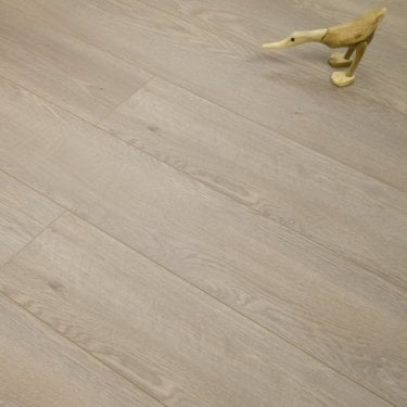 Luxury - 12mm Laminate Flooring - Salerno Oak