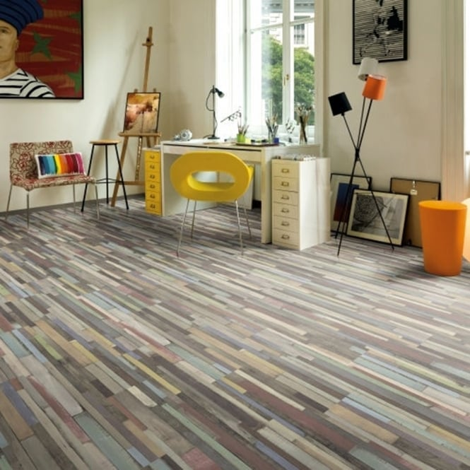 Manhattan Multi Art Oak Laminate Flooring 7mm V-Groove AC3 2.4806m2