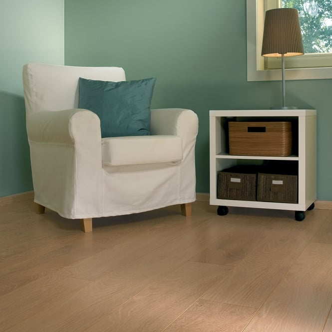 Natures Valley - 8mm Laminate Flooring - Light Cottage Oak
