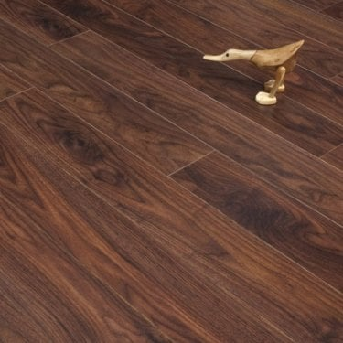 Newtown Crowne Walnut 8mm V-Groove AC4 2.0309m2