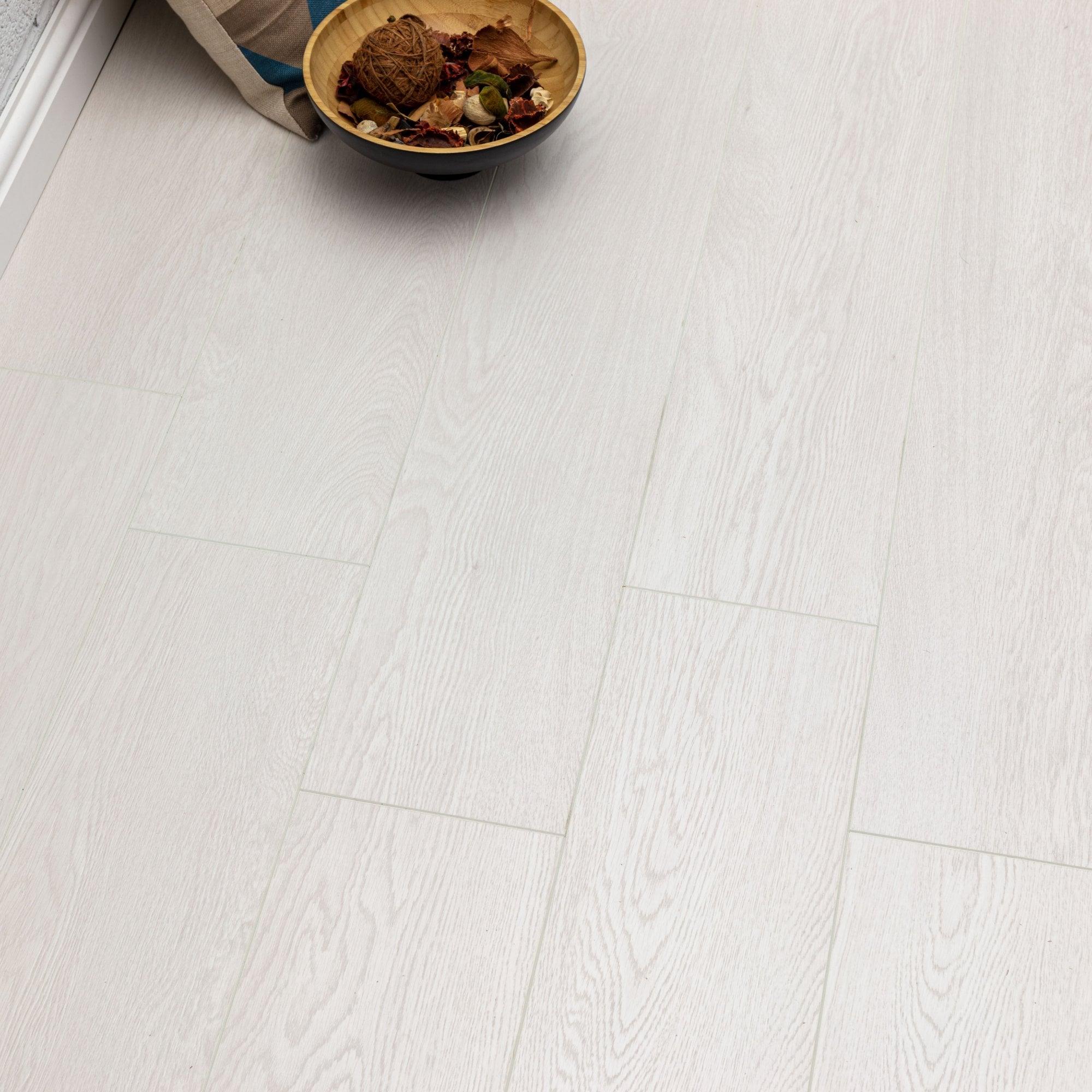 Pelmore Laminate Flooring Echo White, White Wood Look Laminate Flooring