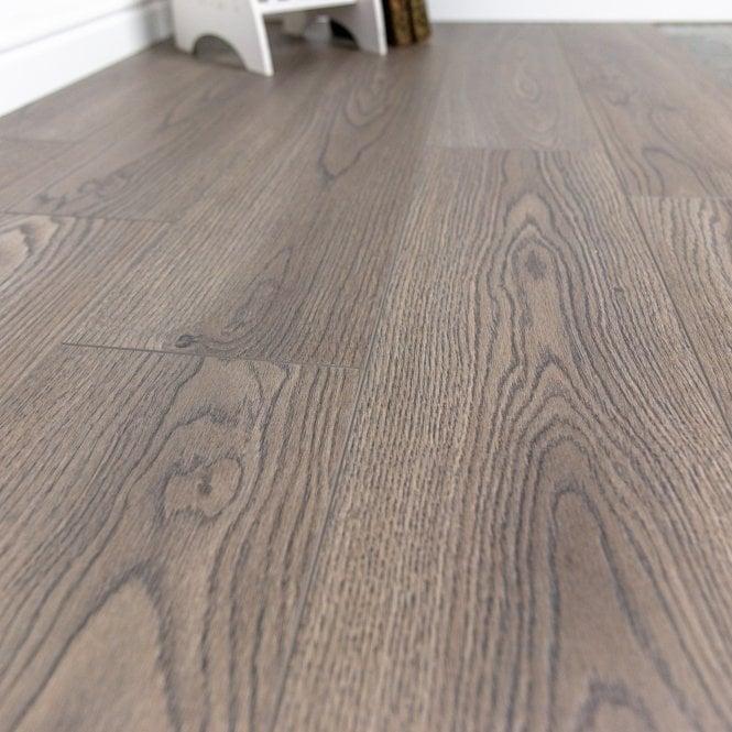 Pelmore - 8 mm laminate flooring - Fog Oak