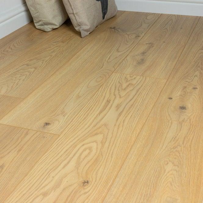 Pelmore - 8 mm laminate flooring - Hay Bale Oak