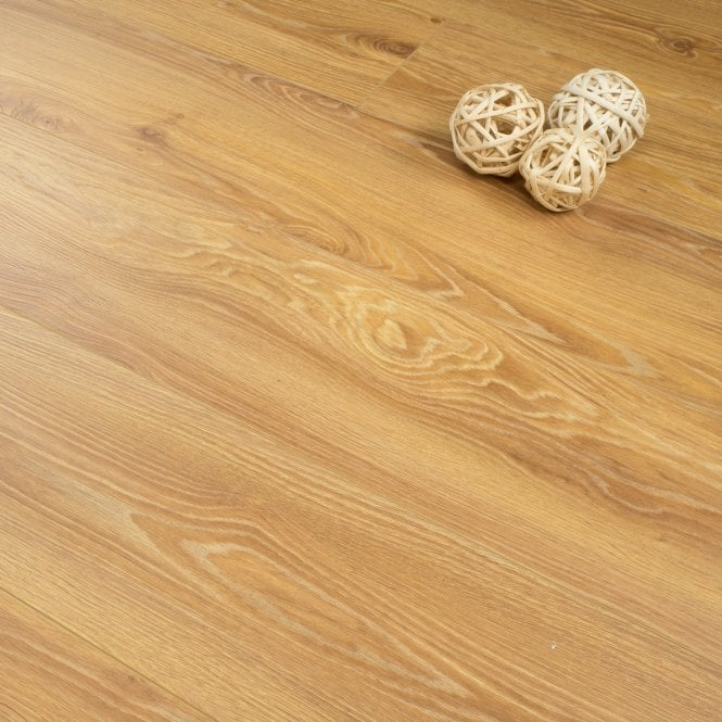 Plus Style 12mm Laminate Flooring Medium Natural Oak 2114m2