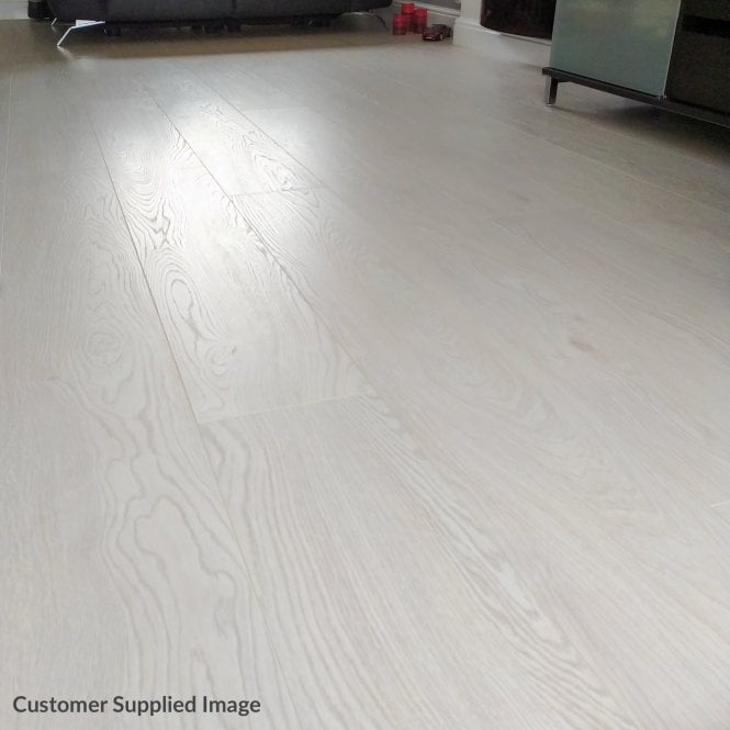Plus Style - 12mm Laminate Flooring - White Oak