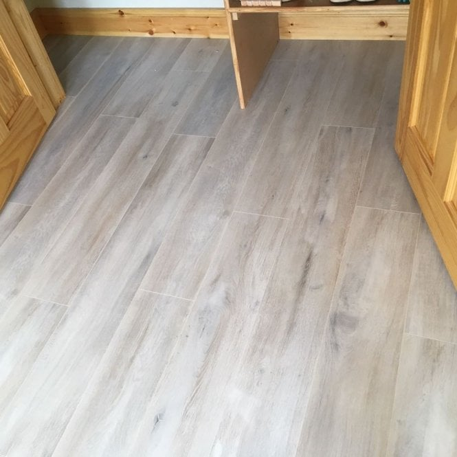 Premier Elite - 8mm Laminate Flooring - Berkeley Oak